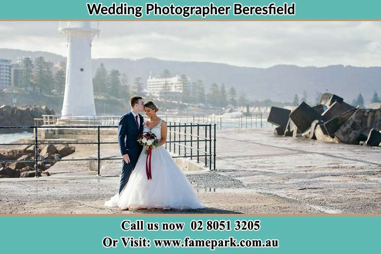 Romantic photo shot of the Bride and the Groom Beresfield NSW 2322